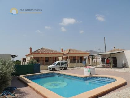Finca with 3 houses and private pool