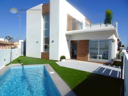New 3 bedroom villas with private pool