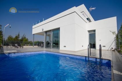 New modern villas with private pool