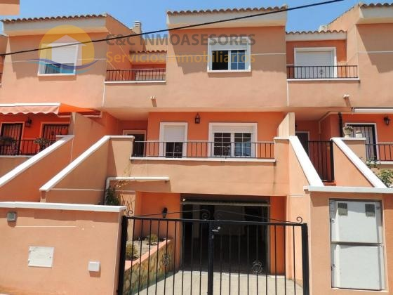Duplex 3 bedrooms with large private garage