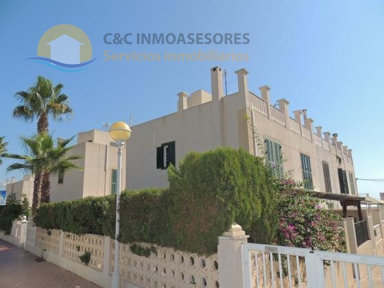 Terraced duplex house just 100 meters from the beach and with garage