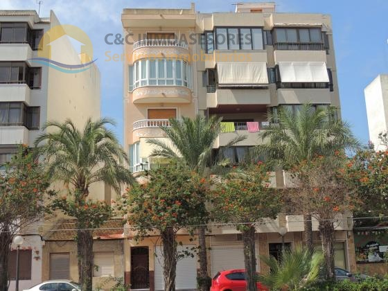 Large two floor property for long term rental Guardamar