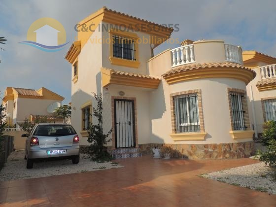 Detached villa with private garden and communal pool
