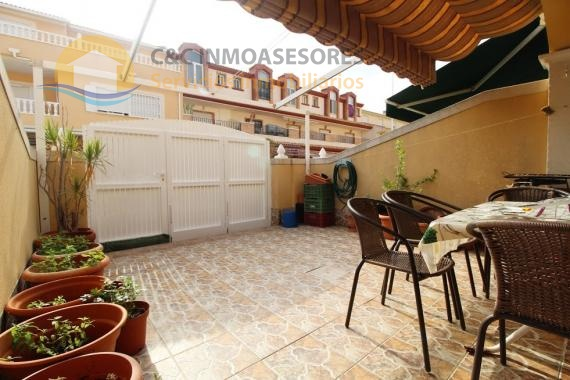 Duplex with 3 bedrooms and 2 bathrooms near the beach