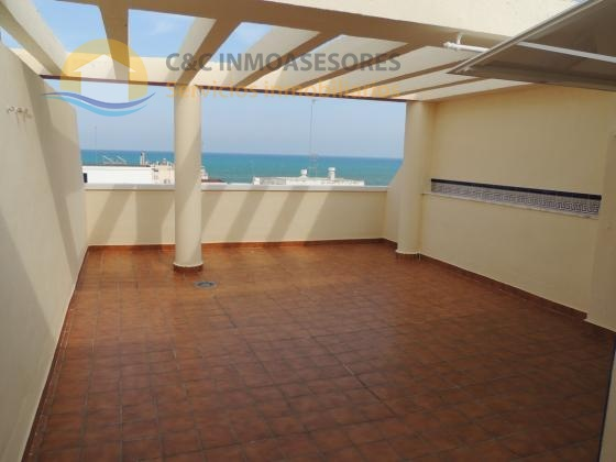 Penthouse 100 meters from the beach