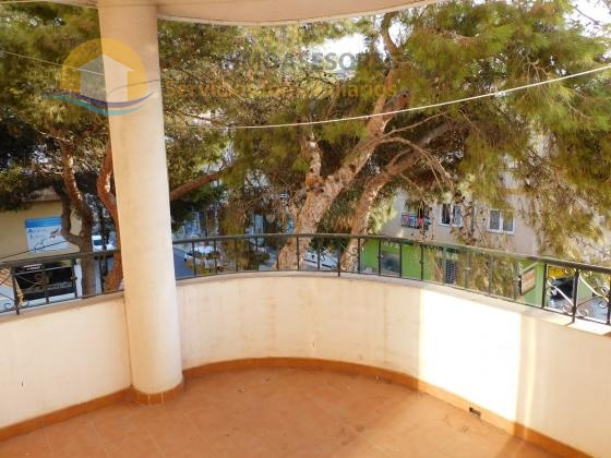 Central apartment 5 minutes from the beach