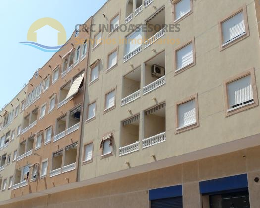 Central Guardamar 2 bedroom apartment with pool