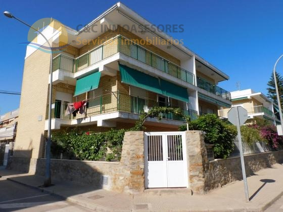 Apartment with parking 100 meters from the beach
