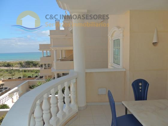 Apartment in luxurious residential 100 meters from the beach