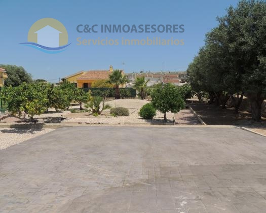 Beautiful plot of land for sale in La Marina urb, nice location