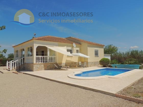 3 Bedroom 2 bathroom villa with private pool and a big plot