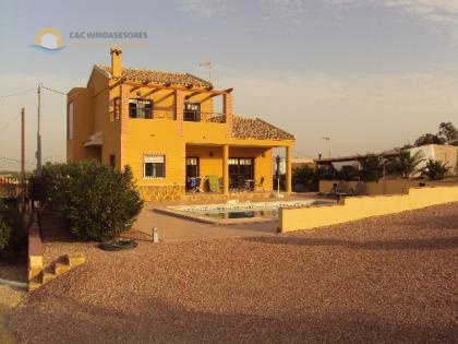 Villa with private pool 150m2 built