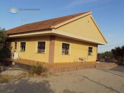Nice finca of 130m2 in a quiet area