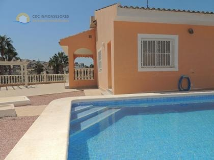 Large villa with private pool and garage